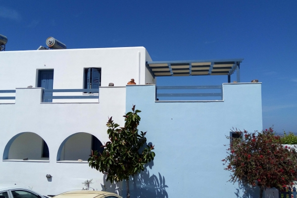 blue-and-white-naxos-agia-anna-main-1852E69C78-1670-56F7-18A9-2DE74778E4F7.jpg