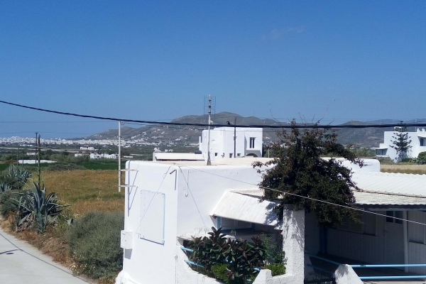 blue-and-white-naxos-agia-anna-main-2A2CA78EE-3F16-9B11-CAB2-44F16A0D2851.jpg